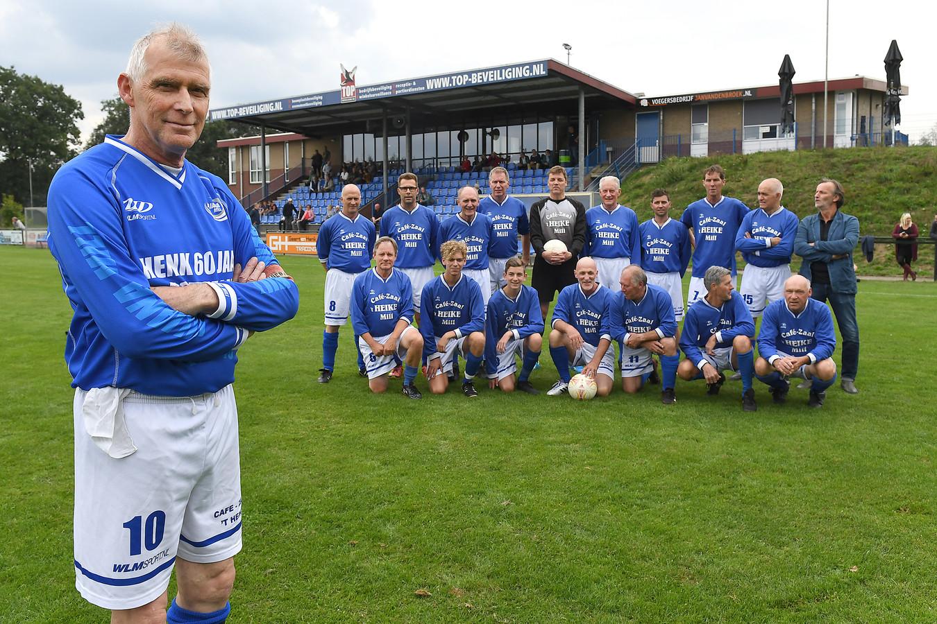 Henk de Hoog, al zestig jaar actief voetballer.