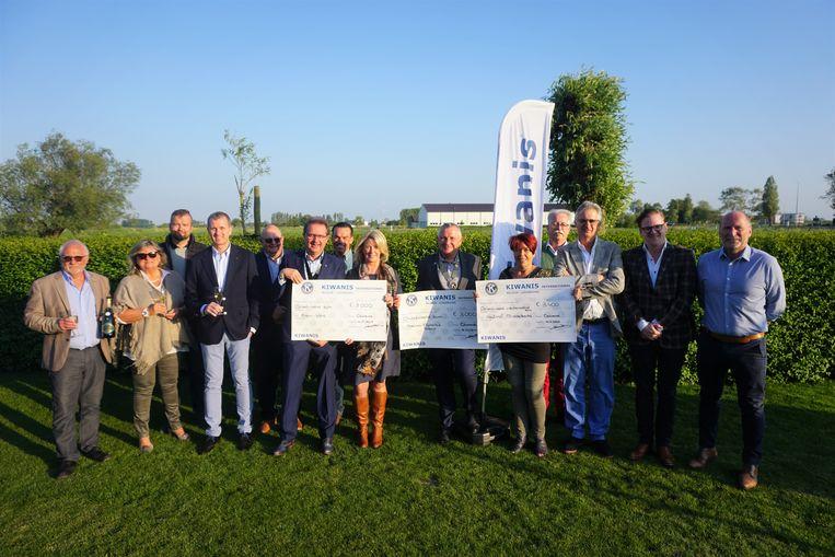 De Kiwanis Club Oostende Ensor reikte drie mooie cheques uit