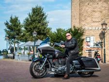Motorrijder Ad vergeet al zijn zorgen tijdens het toeren door Dordrecht: 'Lekker je kop leegmaken'
