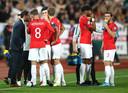 De wedstrijd in Sofia werd twee keer stilgelegd wegens racistische leuzen.
