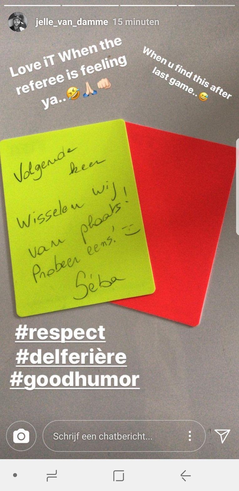 De kwinkslag van Delferière op de gele kaart voor Van Damme.