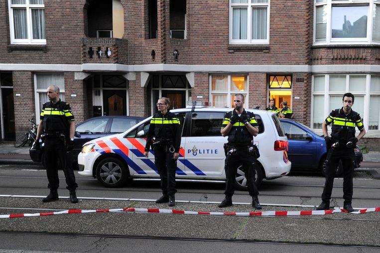 De politie deed invallen in meerdere woningen in Amsterdam-West. Benhadi was daar volgens hen niet meer aanwezig. Beeld ANP