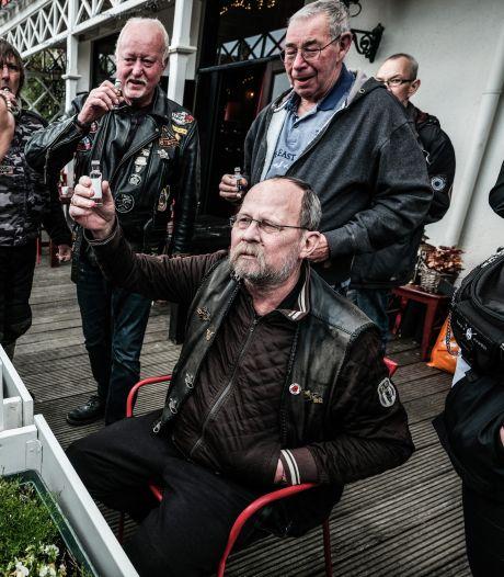 Motorliefhebbers brengen laatste eerbetoon aan terminaal zieke Bert uit Didam: 'Echt kippenvel'