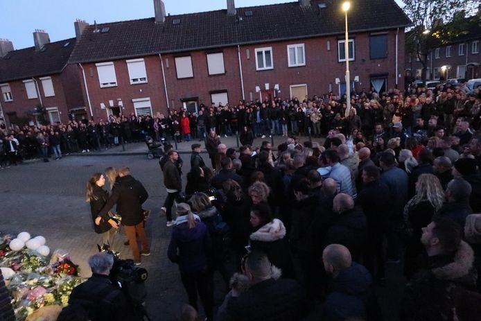 Honderden mensen waren op de been voor de herdenking van Ger van Zundert in Breda.