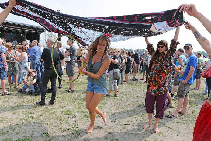 Een sfeerimpressie van het Hippiefestival Gorinchem uit 2017.