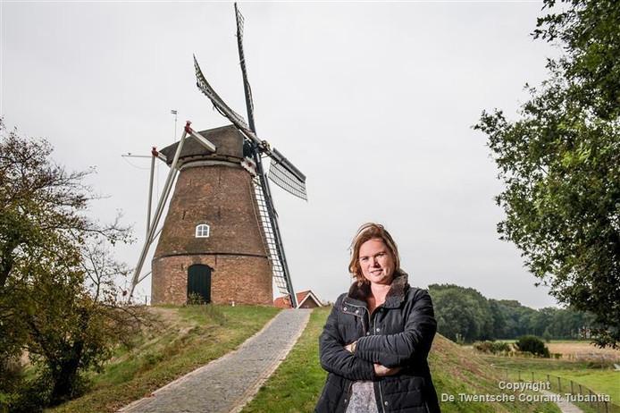 Birgit Bekhuis schreef een blog over haar ontmoetingsplek bij de molen van Frielink in Fleringen toen ze jong was. Bij de molen gaf een reeks jongeren hun eerste zoen aan een partner. De blog werd 60 keer gedeeld en kreeg 150 reacties.