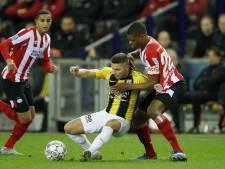 Vitesse-goalgetter Linssen smeert mosterd op zijn voet: 'Vermoed verder onderzoek in ziekenhuis'