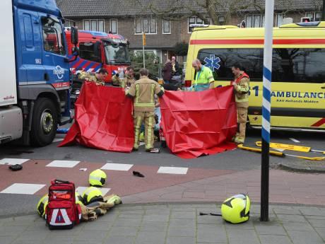 Fietser zwaargewond na aanrijding met vuilniswagen in Wassenaar
