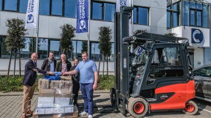 Vleesgroothandel Demuynck schenkt 19.000 stukken beschermende kledij aan zorggroep Heilig Hart