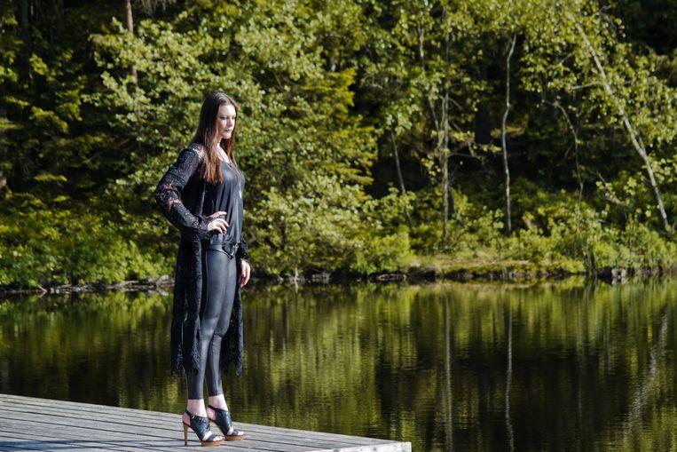 Floor Jansen nabij haar huis in Zweden. Beeld Peter Zéglis