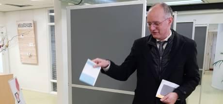 Oproep van burgemeester Enschede: 'Tot 21.00 uur stemmen, doen!'