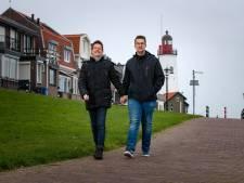 Urk is nu veilige haven voor homo: 'In Amsterdam werden we bespuugd'