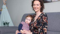 """ZOVEEL VERDIEN IK. Sofie (32), Jense (35) en Ella (1,5) leven van één loon: """"Een 'folieke' merken we meteen aan ons budget"""""""