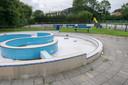 Het gesloten Julianabad in Arnemuiden.
