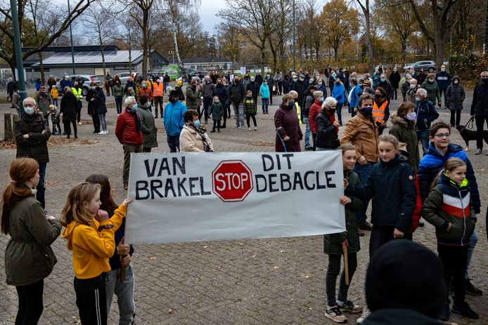 Zaterdag vond een protestmars plaats tegen een nieuwe weg over het Wettenseind, een plan van wethouder Caroline van Brakel.