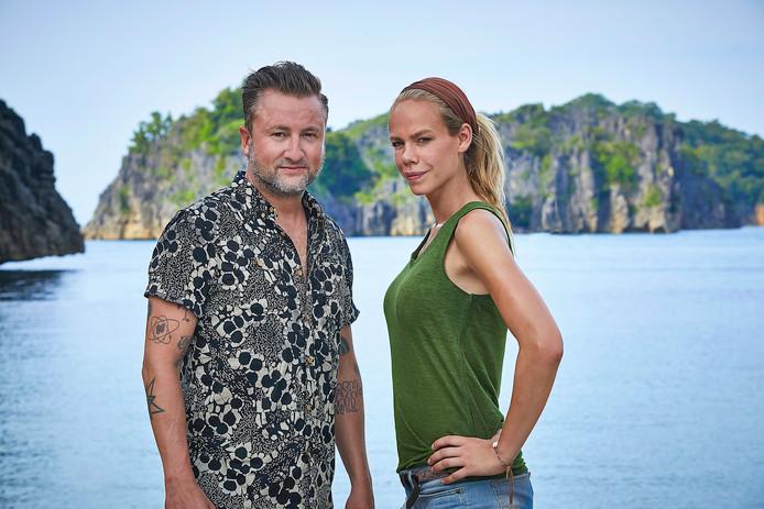 Expeditie Robinson presentatoren Dennis Weening en Nicolette Kluijver.