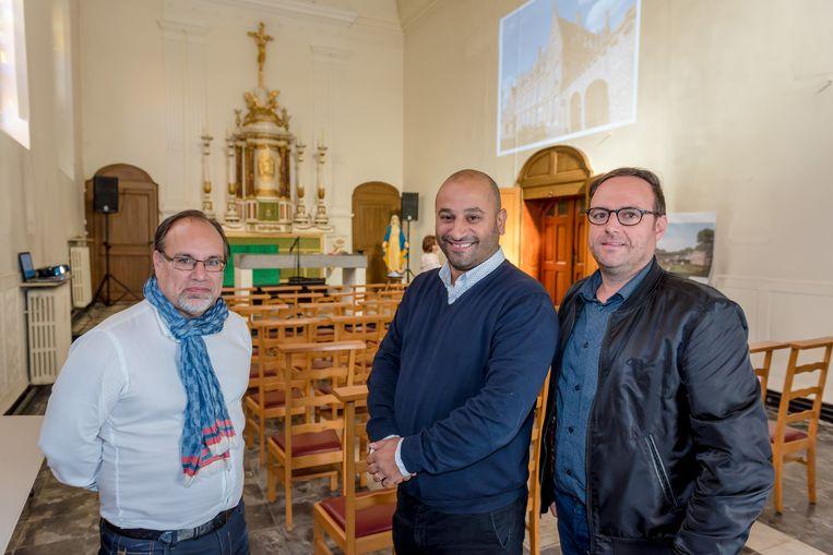 Burgemeester Peter Roose, eigenaar Savas Gumus en schepen Pascal Sticker in de kapel van het klooster van de Zwarte Nonnen waar een restaurant komt.