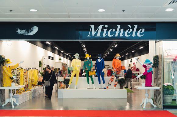 Damesboetiek Michèle zit naast speelgoedwinkel Bart Smit.