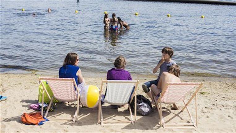 Liefhebbers kunnen gebruik maken van gratis strandstoelen Beeld Gemeente Amsterdam