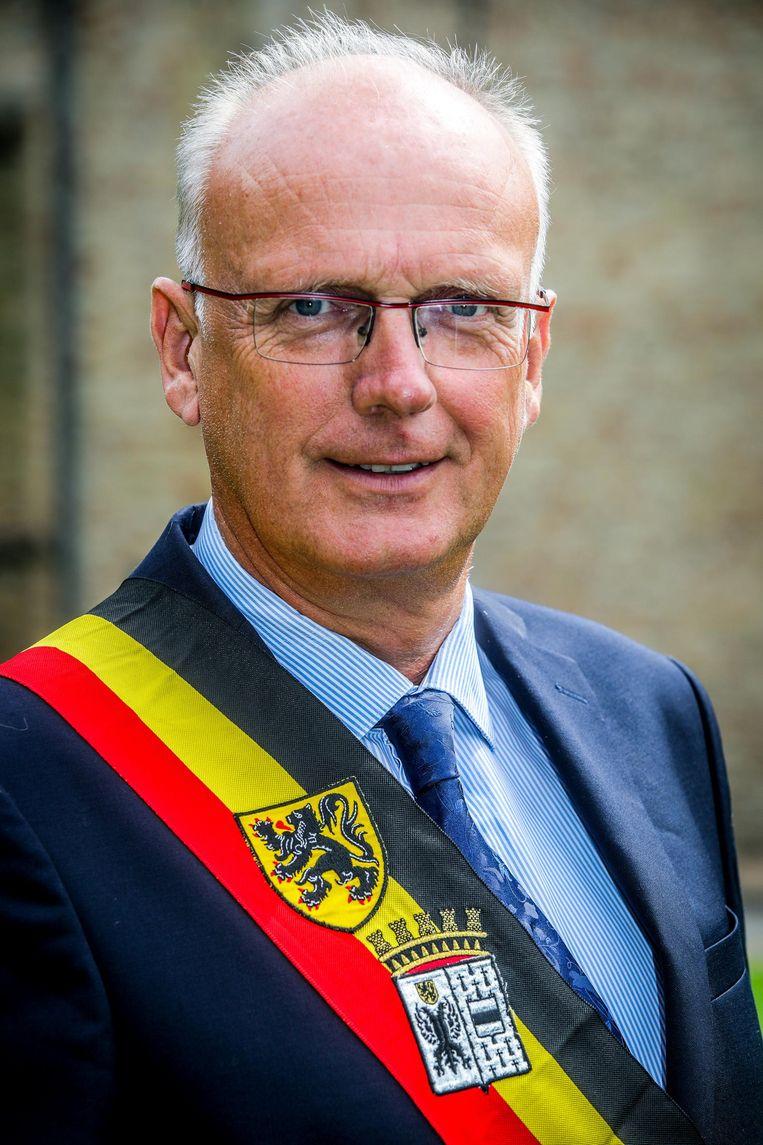 """""""Bij ons gaat nu él tien procent niet stemmen"""", verdedigt burgemeester Lode Morlion (Dynamisch) van Lo-Reninge de afschaffing van de opkomstplicht."""