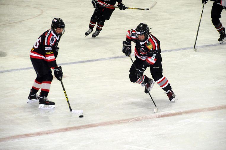 De piste werd gisteravond officieel ingespeeld door ijshockeyclub Cold Play Sharks Mechelen.