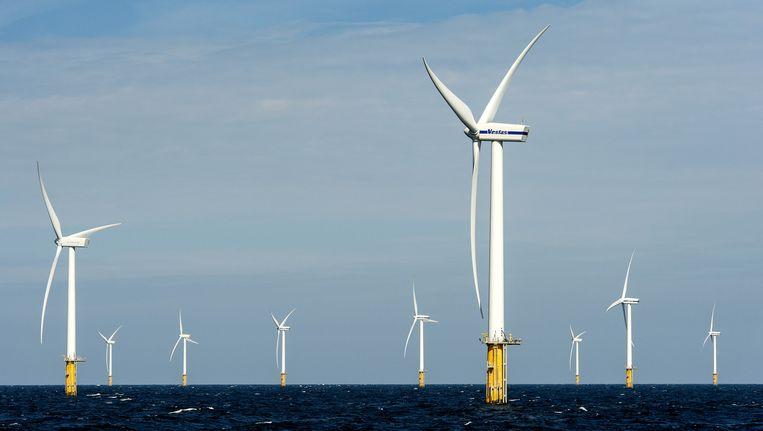Het Prinses Amalia Windpark in de Noordzee, ter hoogte van IJmuiden Beeld anp