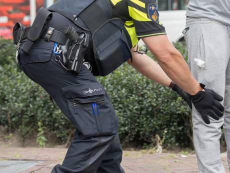 Aanpak Rotterdams vuurwapengeweld: risicovolle personen 'zomaar' fouilleren