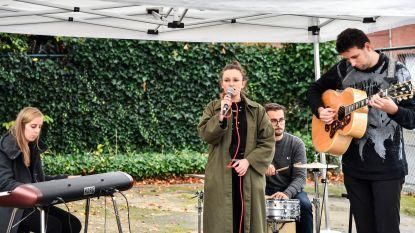 Serene muziek op begraafplaatsen tijdens Reveil