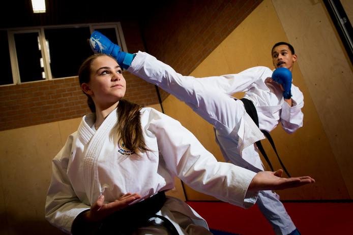 Selena Cicek en Frederic Bedou starten volgende week namens karateschool Smaal bij het EK voor junioren in Aalborg.