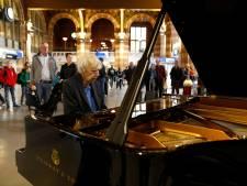 Amsterdam neemt afscheid van componist Reinbert de Leeuw
