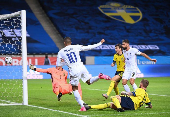Mbappé was zaterdagavond nog goed voor een geweldige goal in Zweden, duel dat Frankrijk met 0-1 won.