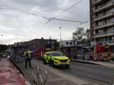Frietketelbrand in appartementsgebouw: Snel geblust, maar tramverkeer langer dan een uur onderbroken