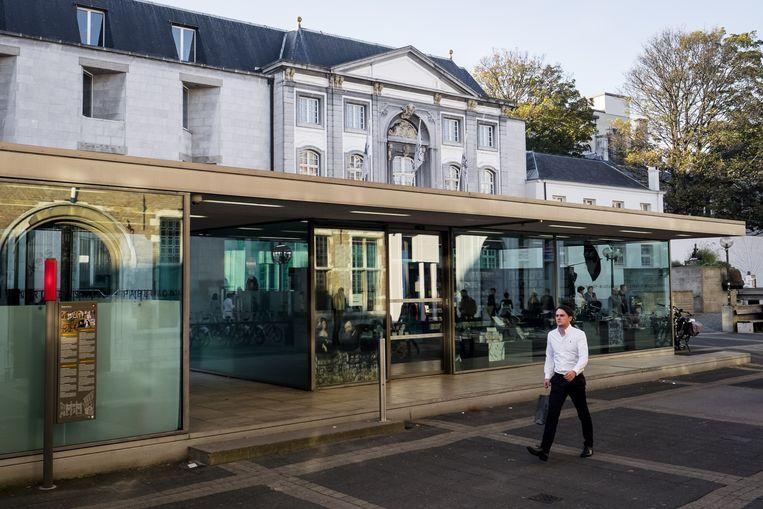 Het glazen paviljoen voor het Rubenshuis verdwijnt. Tegen 2024 moet een nieuw toegangsgebouw aan Hopland 13 de deuren openen.