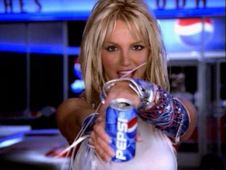 Tijdens de Super Bowl in 2002 lanceert Pepsi-Cola een spotje met in de hoofdrol Britney Spears.
