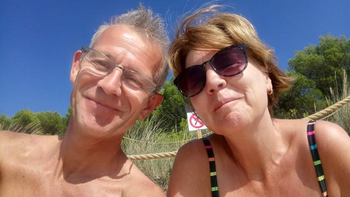 Rikus en Jannet Meun-Snoek lagen in kritieke toestand in het ziekenhuis op Tenerife, maar zijn inmiddels aan de beterende hand.