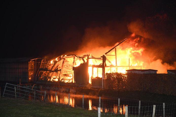 Grote brand in Hazerswoude-Dorp.