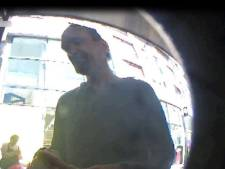 Politie zoekt man die pinpas stal van bejaarde (91) in Amersfoort