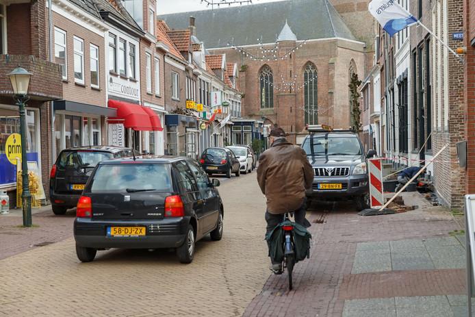 Verkeersdrukte in de Hoogstraat in Hasselt.
