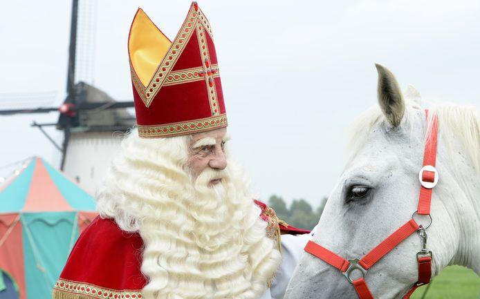 Voor De Grote Sinterklaasfilm keert Bram van der Vlugt terug als (adviseur van) Sinterklaas.
