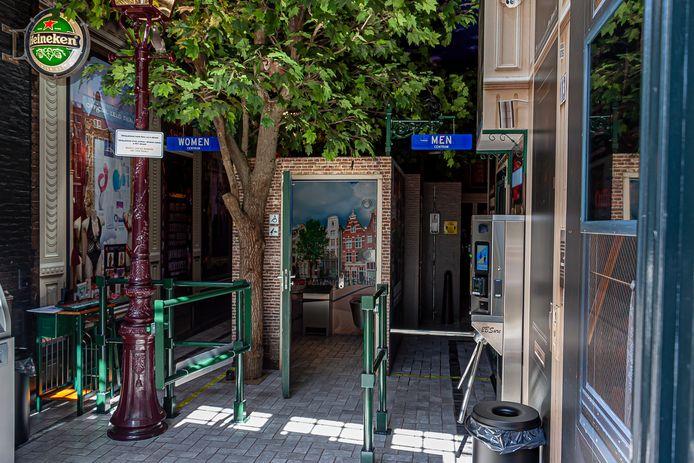 De 'Sexy Loo', het eerste openbare toilet op de Wallen in Amsterdam.