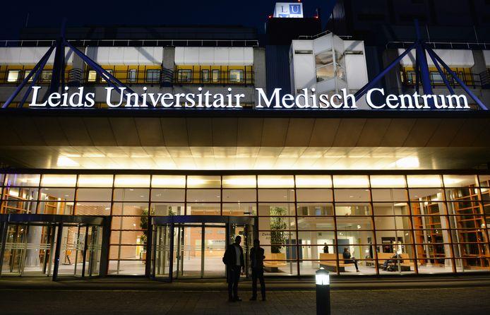 De arts wordt behandeld in het LUMC in Leiden.