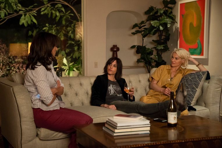 Van links: Jennifer Beals (Bette), Katherine Moennig (Shane) en Leisha Hailey (Alice), in The L World: Generation Q.  Beeld null