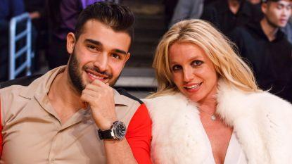 """Sam Asghari neemt het op voor """"authentieke"""" vriendin Britney Spears"""