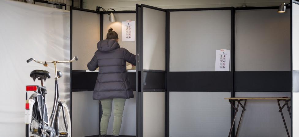 Referendumwet mag in la blijven