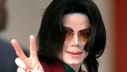 De bizarre theorie achter het hoge stemmetje van Michael Jackson