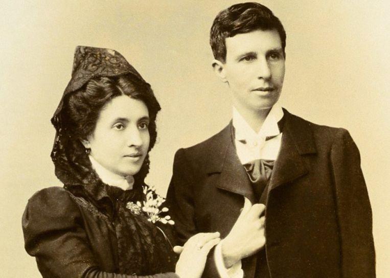 Marcela (links) en Elisa (rechts) op hun trouwdag.