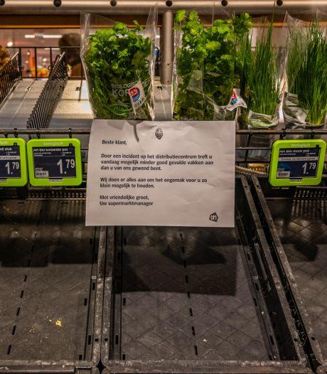 Lege schappen na brand: 350 schoonmakers in touw om distributiecentrum Albert Heijn snel weer bruikbaar te maken