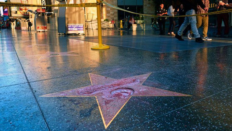 De gemolesteerde ster van Trump op de Walk of Fame. Beeld ap