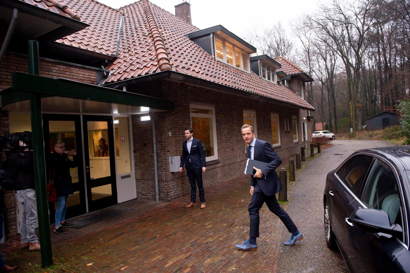Minister Hugo de Jonge eerder deze maand op bezoek bij De Hoenderloo Groep.