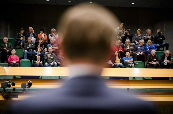 Minister Bruno Bruins van Medische Zorg (VVD) tijdens een eerder Kamerdebat over de tegemoetkoming voor Q-koortspatiënten. ANP BART MAAT